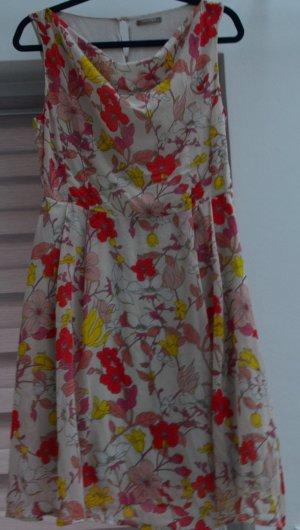 Orsay Schiffon Sommerkleid mit Blumenmuster und Unterkleid Gr. 38