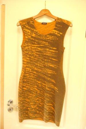 ORWELL Kleid Wolle anliegend figurbetont