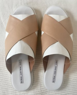 & other stories Flip-Flop Sandals white-beige leather