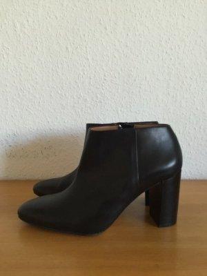 &other Stories Leder Stiefeletten schwarz mit Reißverschluss