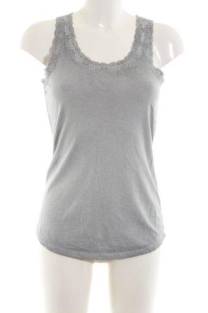 Oui Top básico gris claro look casual