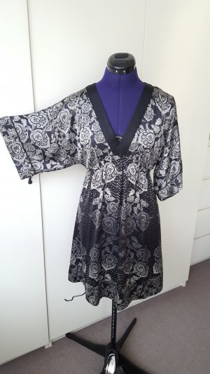 Outfit - Monsoon kimono dress, 100% silk +  with La Strada shoes size 38