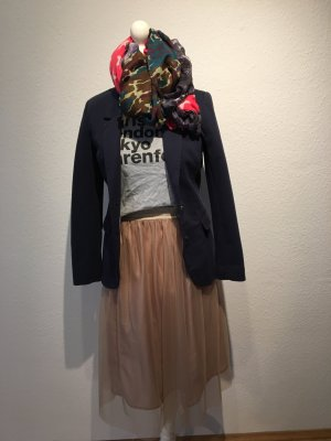 Outfit: Rock/ Blazer/ T-Shirt / Tuch
