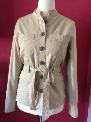 Outfit Safarijacke beige