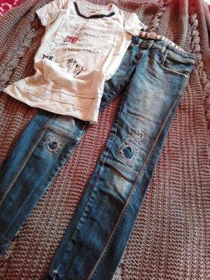 "Outfit von Antonio Marras ""I´m Isola Marras"" Destroyed-Jeans"
