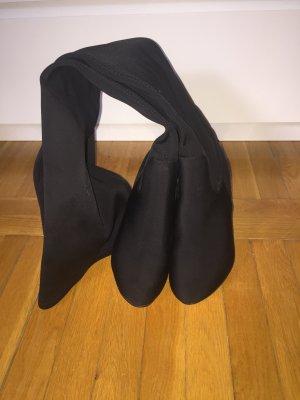 Overkneestiefel in schwarz