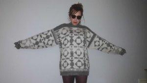 Oversize 90er Wollpullover Handarbeit mit geometrischen Mustern
