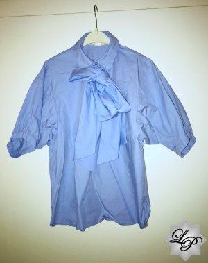Oversize Bluse mit großer Schleife