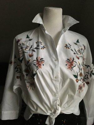 Oversize Bluse mit Stickereien