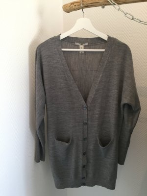 Oversize cardigan in grau