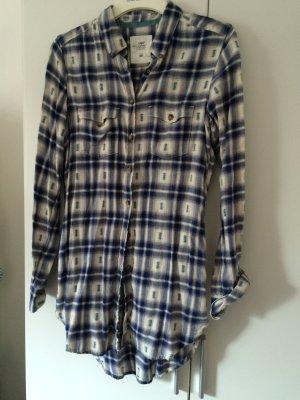 Oversize: Langes Flanellhemd
