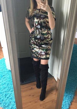 Oversize Paillettenkleid in Camouflageoptik von Liquor N Poker