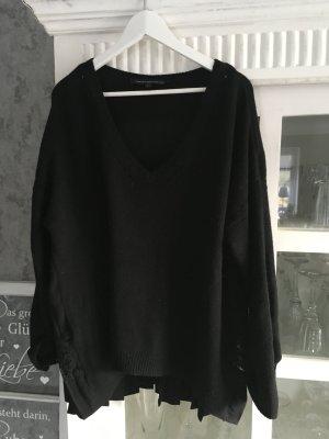 Oversize Pullover !! Schwarz mit tollen Details!! Top!!