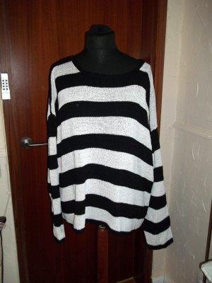 Oversize Pullover schwarz weiss gestreift Gr 50