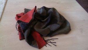 Oversize Schal mit Fransen