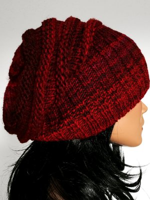 Knitted Hat bordeaux-carmine