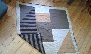 Oversize Tuch, neu, vielseitig als Umhang oder Halstuch nutzbar