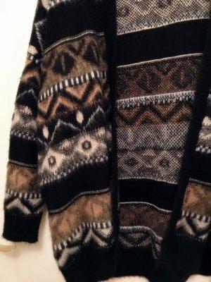 Oversized-Cardigan im Skandinavischen-Look von Urban Outfitters