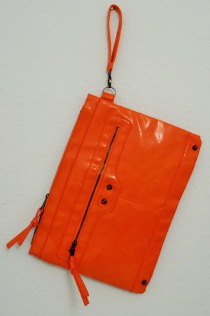Oversized Clutch in Lackleder-Optik in Orange