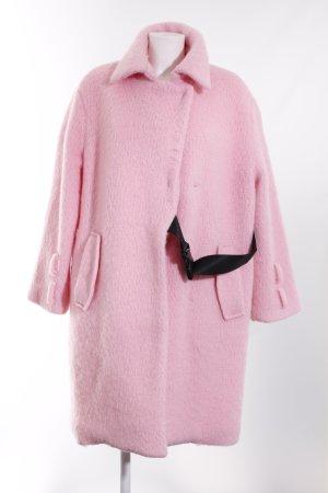 Chaqueta holgada rosa look Street-Style