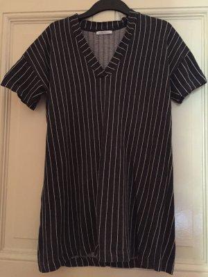 Oversized Kleid  // gestreift