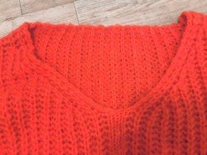 Oversized Pullover in einem tollen Rotton