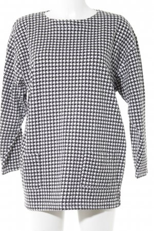 Oversized Shirt black-white houndstooth pattern casual look
