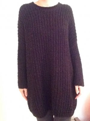 Oversized Strickkleid in schwarz