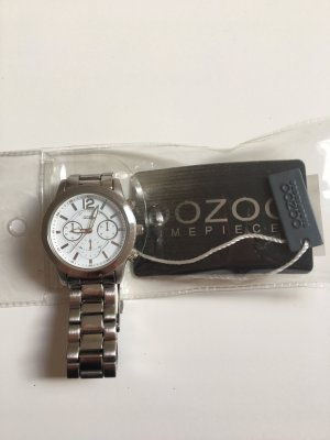 Oversized Uhr von Oozoo