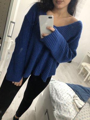 Oversized weiter Pullover mit V-Ausschnitt