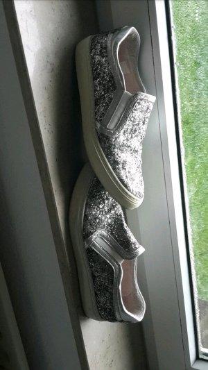 Ovyé Schuhe