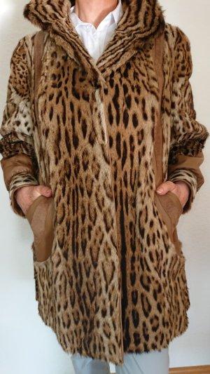 Abrigo de piel camel-negro