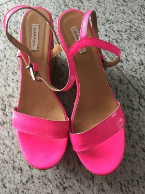 P.A.R.O.S.H. Lackleder Plateausandale in neonpink