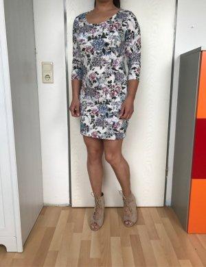 Page Neues Kleid, Größe M