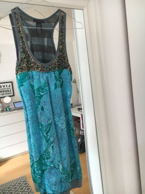 Pailettenbesticktes Kleid aus Seide