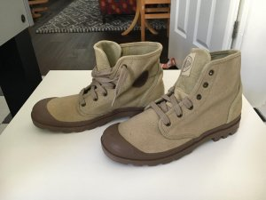 acde17ead7b Palladium Women's Shoes at reasonable prices | Secondhand | Prelved
