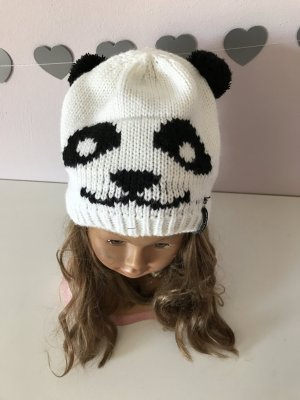 Blind Date Knitted Hat white-black