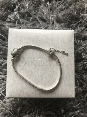 Pandora-Armband inklusive Charm