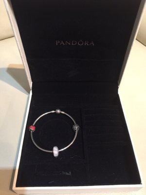Pandora Armband mit 3 Beads