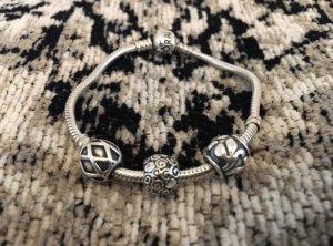 Pandora Armband mit 3 Originalcharms