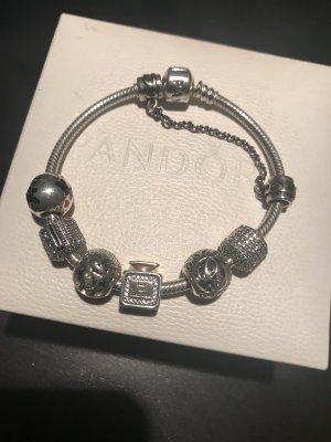 Pandora armband mit Charmes