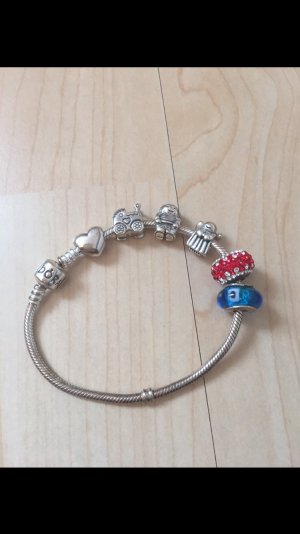 Pandora Armband mit Charms