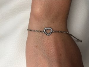 Pandora-Armband mit Herz