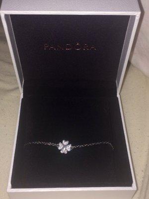 Pandora Armband mit Kleeblatt