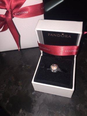 Pandora Charm mit Herzen und in ROSA
