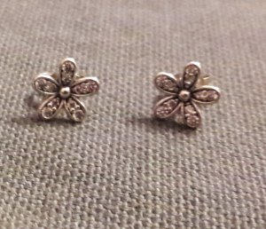 Pandora Gänseblümchen Ohrringe