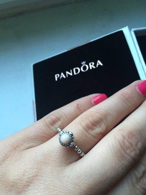 Pandora Ring in rosa