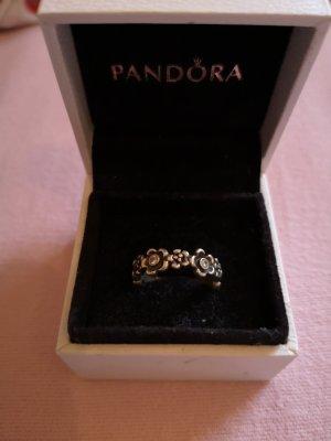 Pandora Ring mit Blüten
