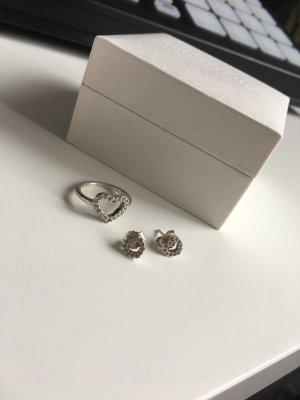 Pandora Ring und Ohrringe S925