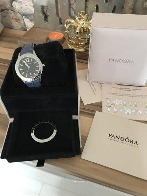 Pandora Uhr in blau mit Diamant.